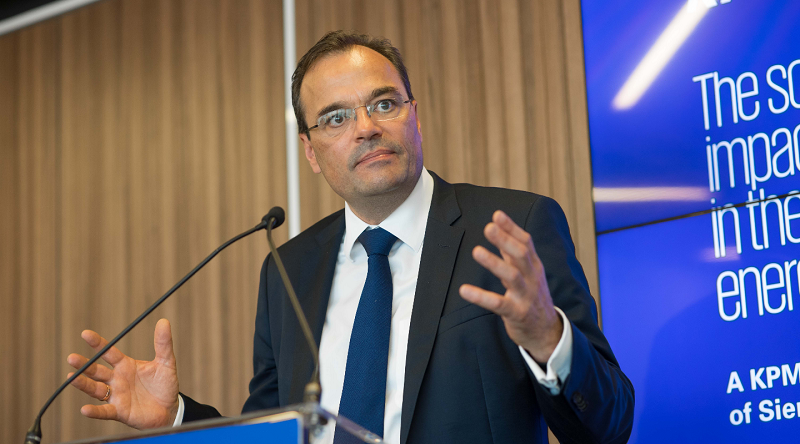 Siemens Gamesa chief urges students to play climate role